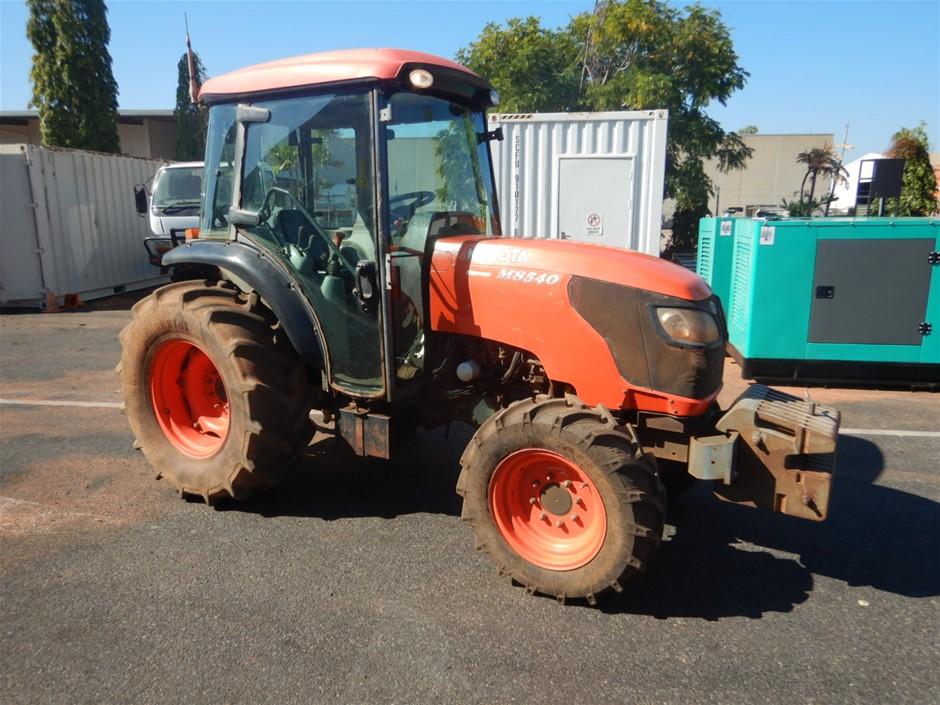 2011 Kubota Narrow M8540 Tractor