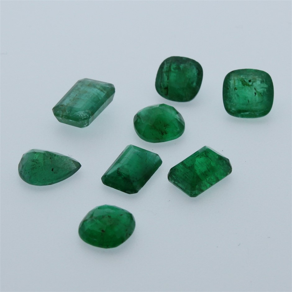 Eight Loose Emerald, 6.80ct in Total
