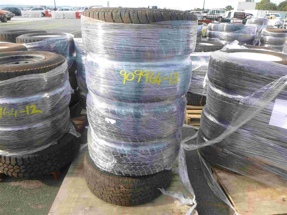 Pallet of 5x Rims & Tyres to Suit Nissan Patrol