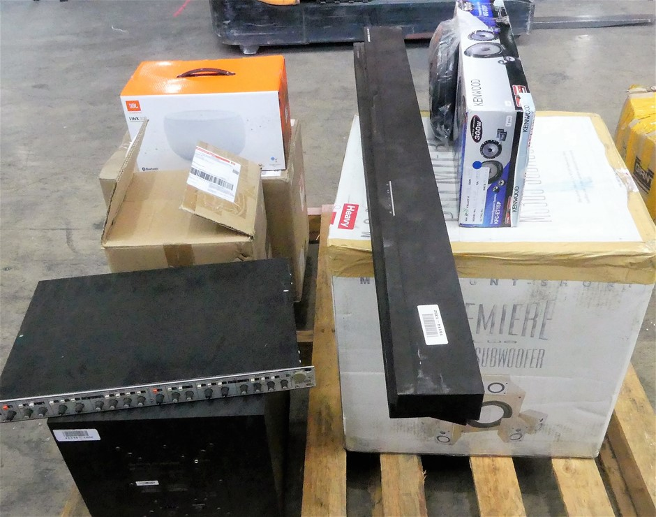 Pallet of 8 x assorted Faulty Audio products, including: 1 x Defi