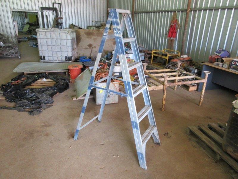 Steel Step Ladder