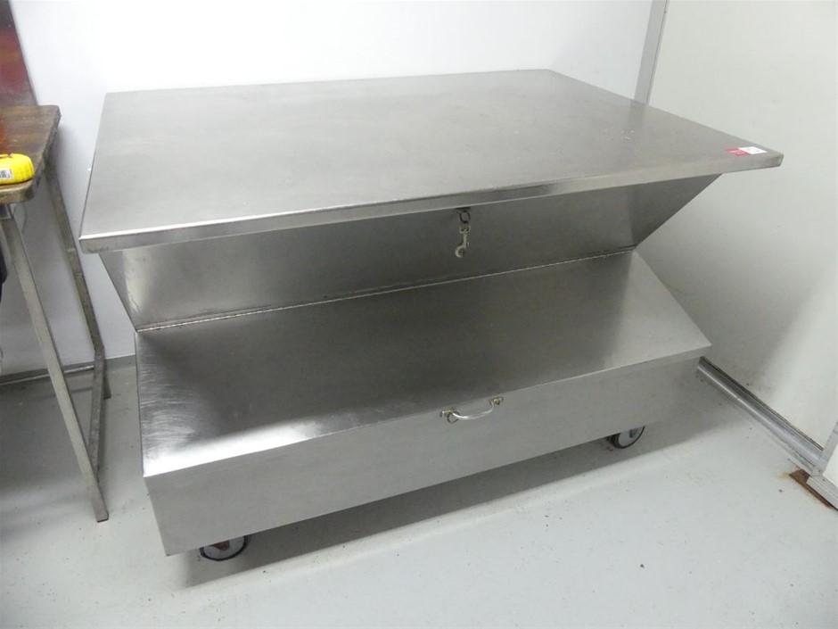 Ingredients bench