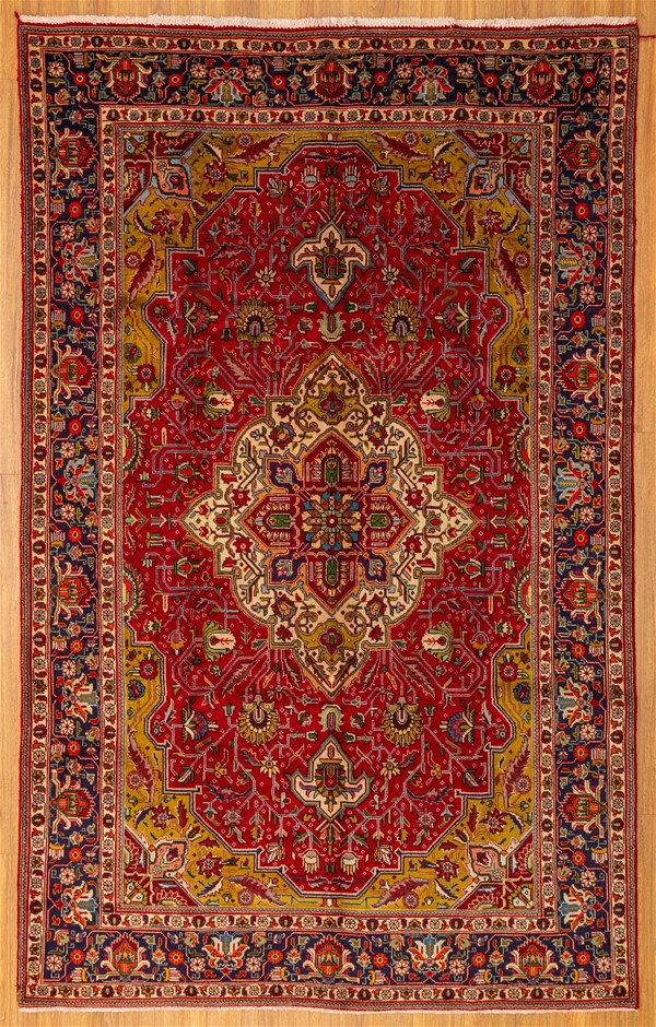 Handwoven Pure Wool Persian Tabriz Rug - Size 310cm x 194cm