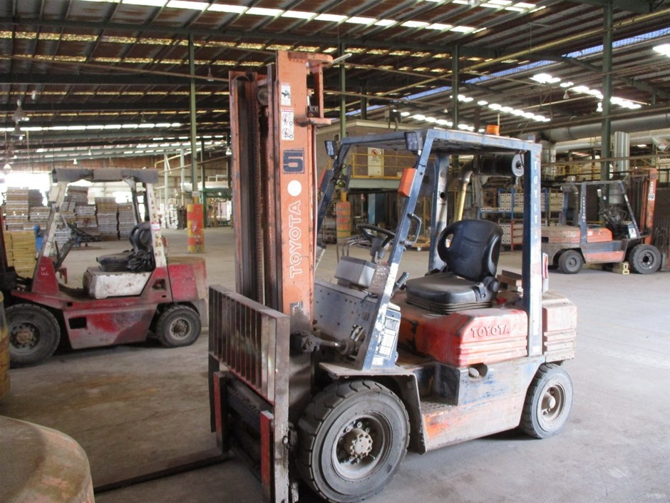 Toyota 5FD25 4 Wheel Counterbalance Forklift