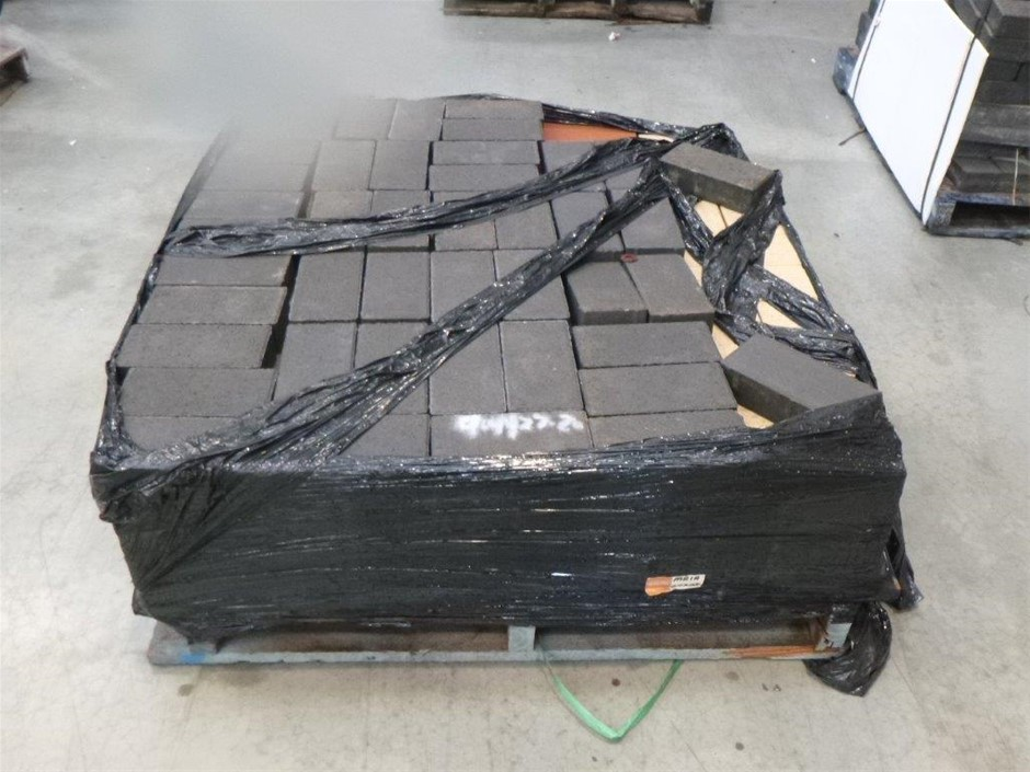 Pallet of Mixed Coloured Pavers