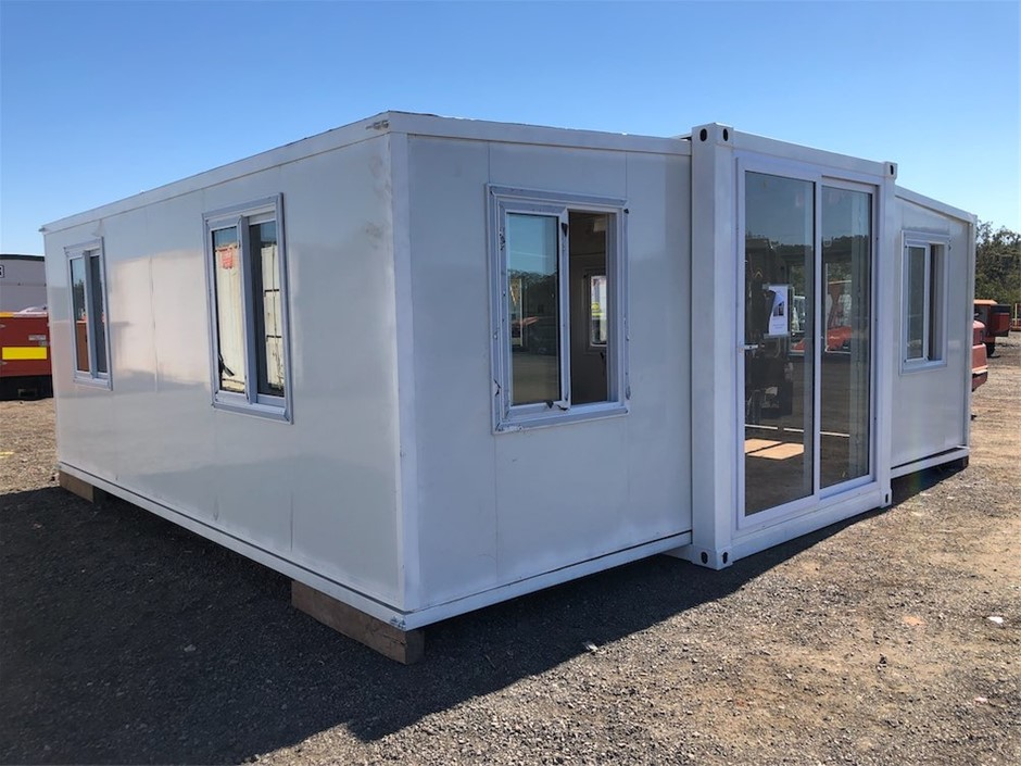 2020 Unused 20ft Portable Fold Out Container House
