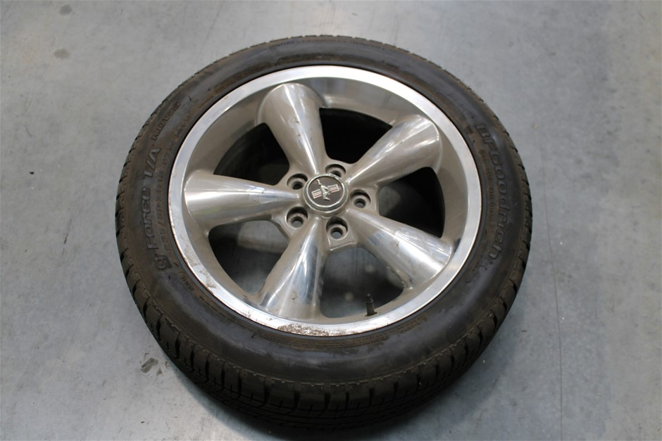 "Set of 4 ""Mustang"" Rims & Tyres"