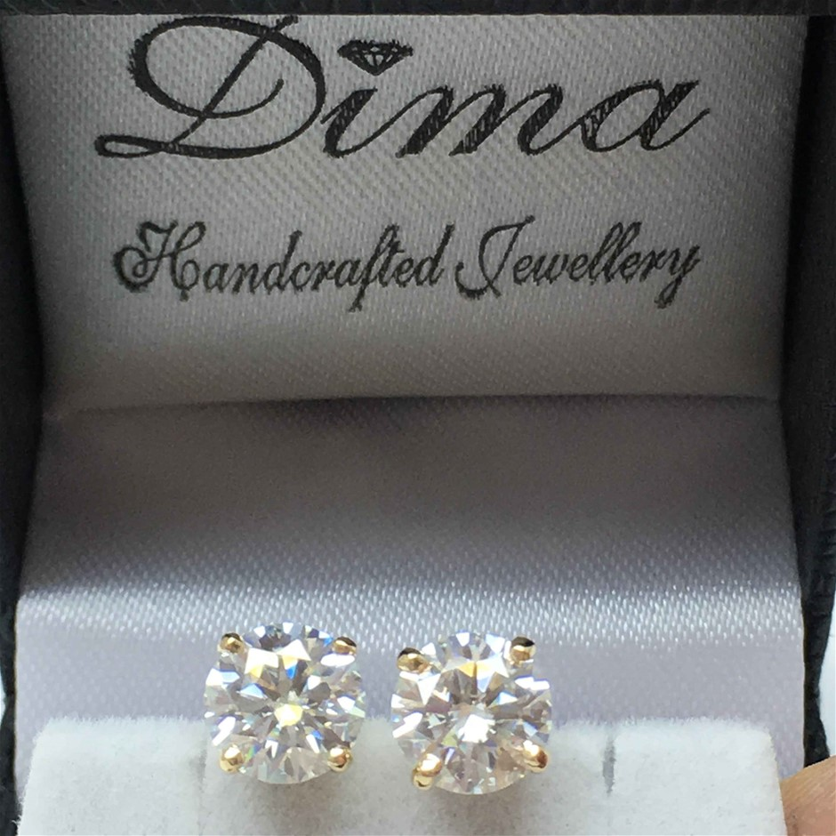 18ct Yellow Gold, 2.36ct Moissanite Earring
