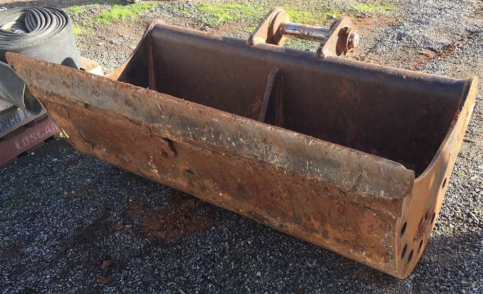 JCB Bucket - Mud - 1,500mm - To Suit 14.0t Excavator (Location: Adelaide)