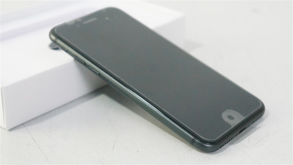 Apple iPhone 8 64Gb Space Grey (Reconditioned)