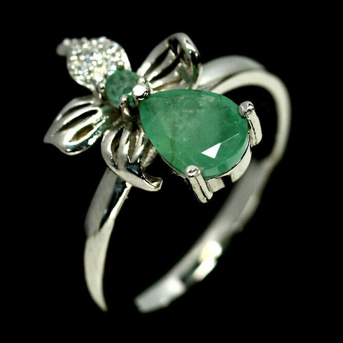 Delightful Genuine Emerald Ring.