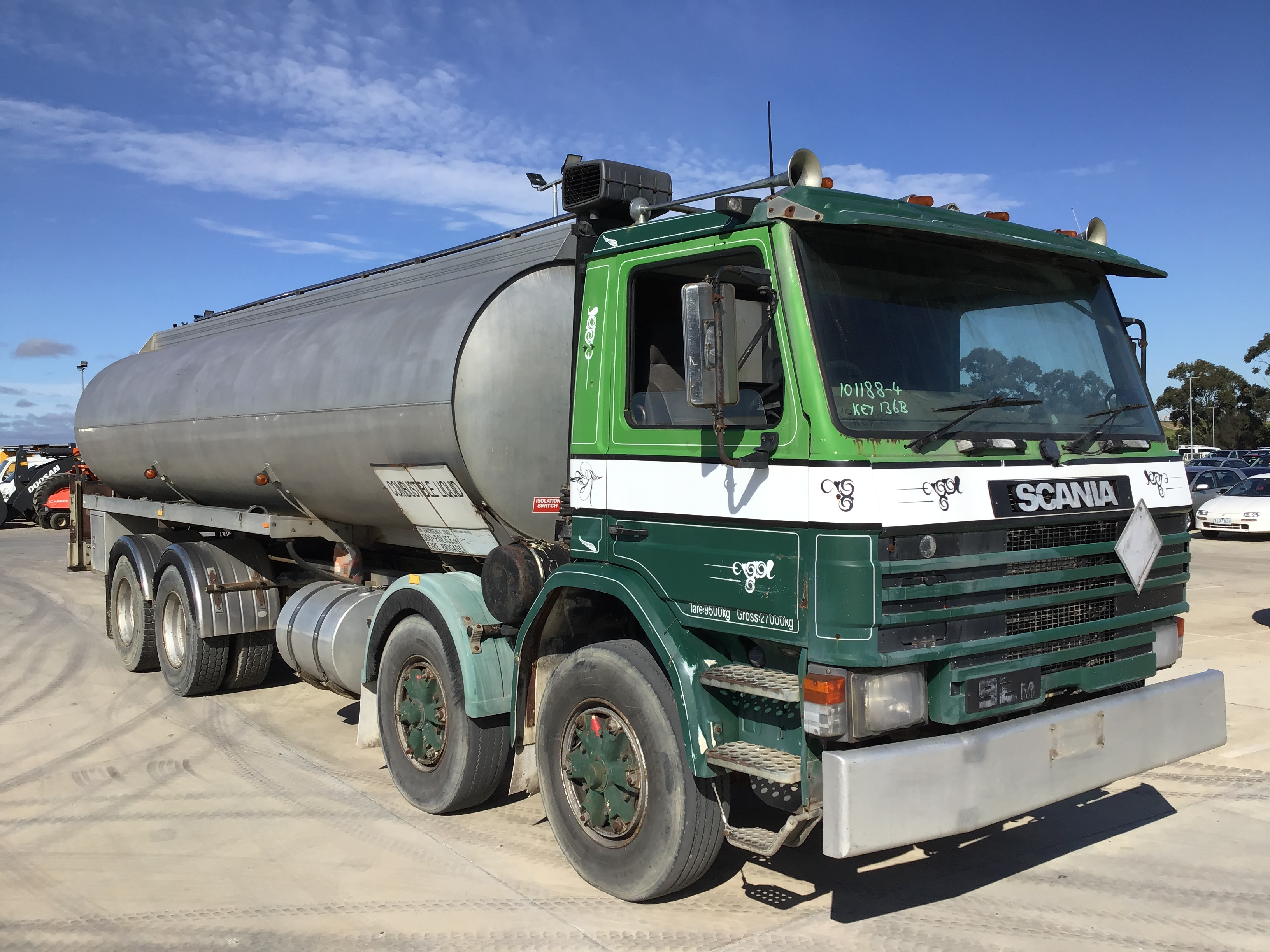 1987 Scania P92M 8 x 2 Fuel Truck