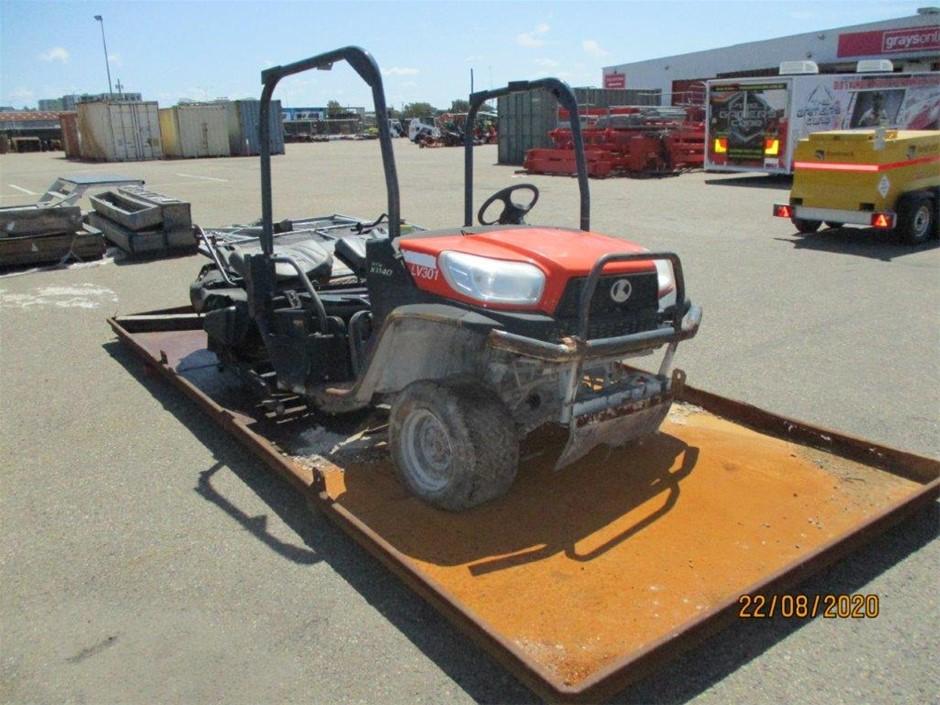 Kubota RTV-X1140W-H ATV & Oil Pan