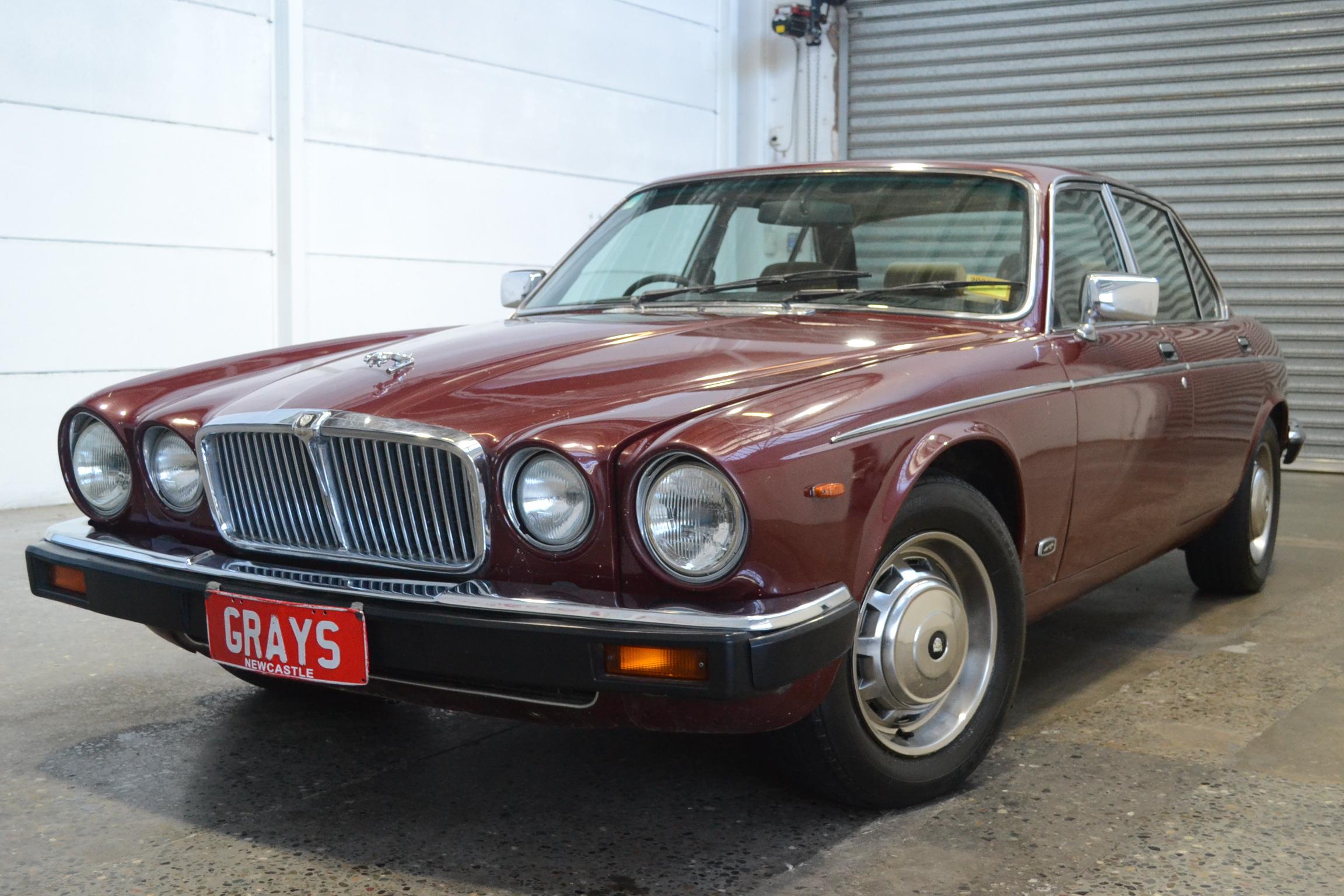 1982 Jaguar Sovereign Auto Sedan