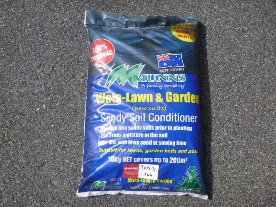 Munns Weta Lawn & Garden Sandy Soil Conditioner