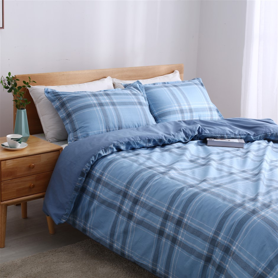 Dreamaker 250TC Egyptian Cotton Printed Quilt Cover Set Queen Bed Finlay