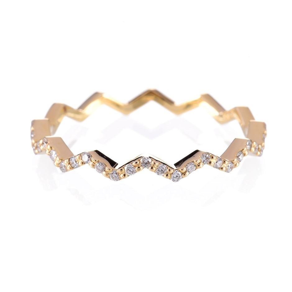 9ct solid yellow gold and diamond ring 0.19ct TDW