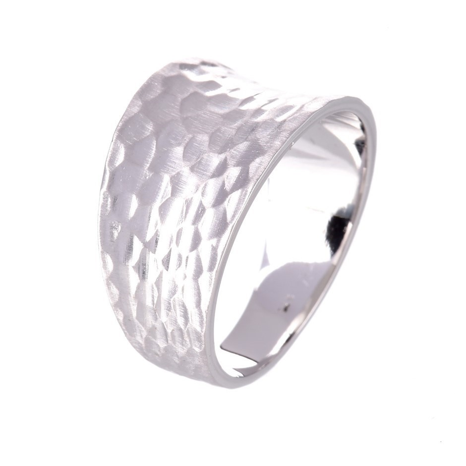 Solid 9ct white gold hammered finish ring