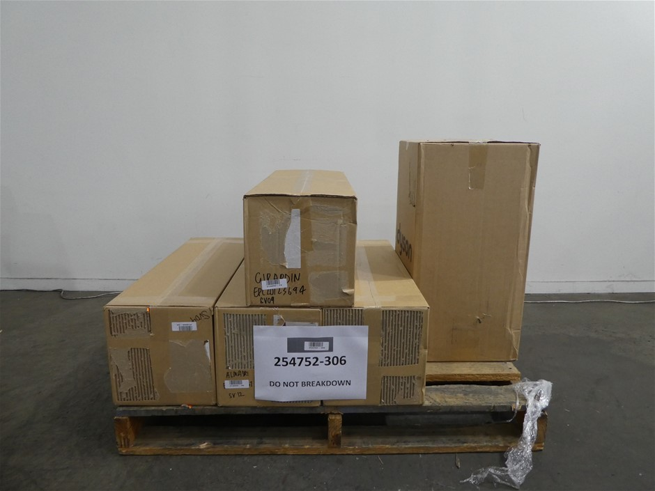 Pallet of Assorted Dyson USED/UNTESTED Vacuum Cleaners