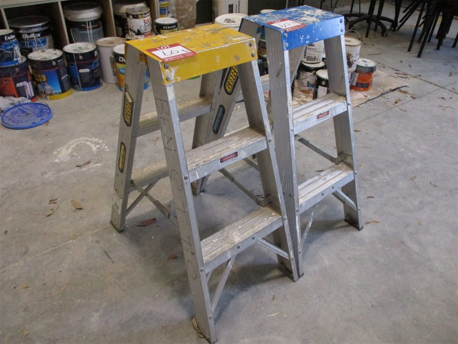 Qty 2 x Gorilla Double Sided Step Ladders