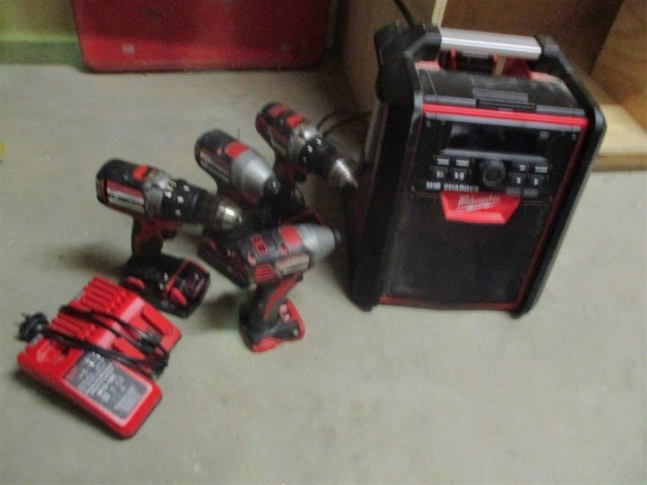 4x Milwaukee 18V Hand Held Powers with Radio and Charger