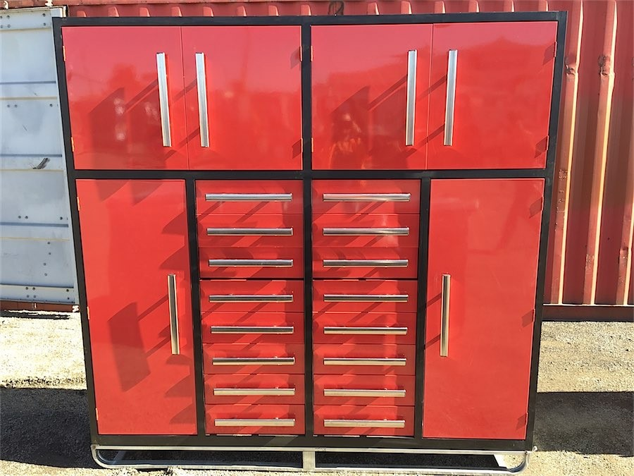 2020 Unused Workshop storage cabinet with 16 Drawers