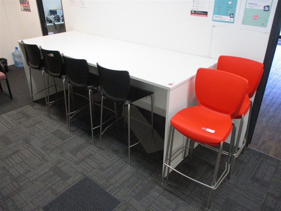 Desk with 8 Stools