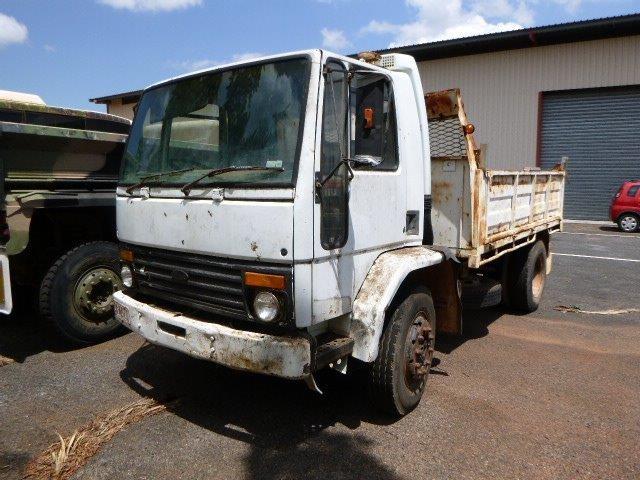 1986 Ford Cargo 1313 4 x 2 Tipper Truck