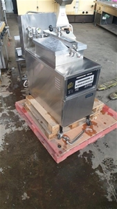 Commercial Pressure Fryer