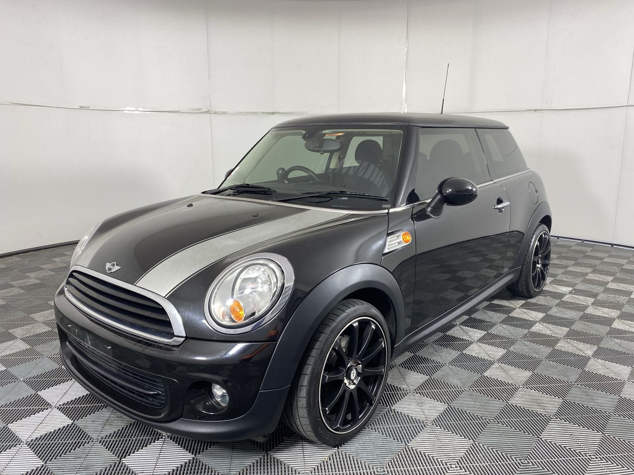 2011 Mini Ray R56 LCI Auto Hatchback (WOVR+Inspected) 100,809 km's