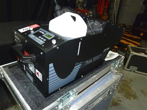 Robe Faze 1000FT Fog Machine with Hard C