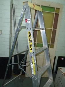 Bailey Step Ladder