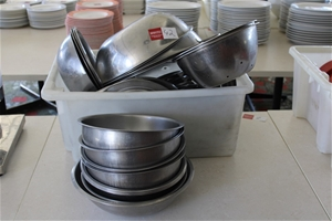 Assortment of S/Steel Mixing Bowls/Colli