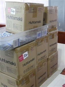 Qty 8 x Huhtamaki Boxes of Refresher Tow