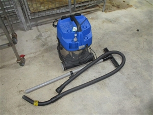 Nilfisk Multi 20 Wet/Dry Vacuum
