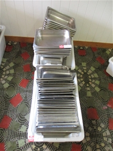2 Tubs of Stainless Steel Bain-marie Dis