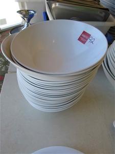 18 x Salad Bowls