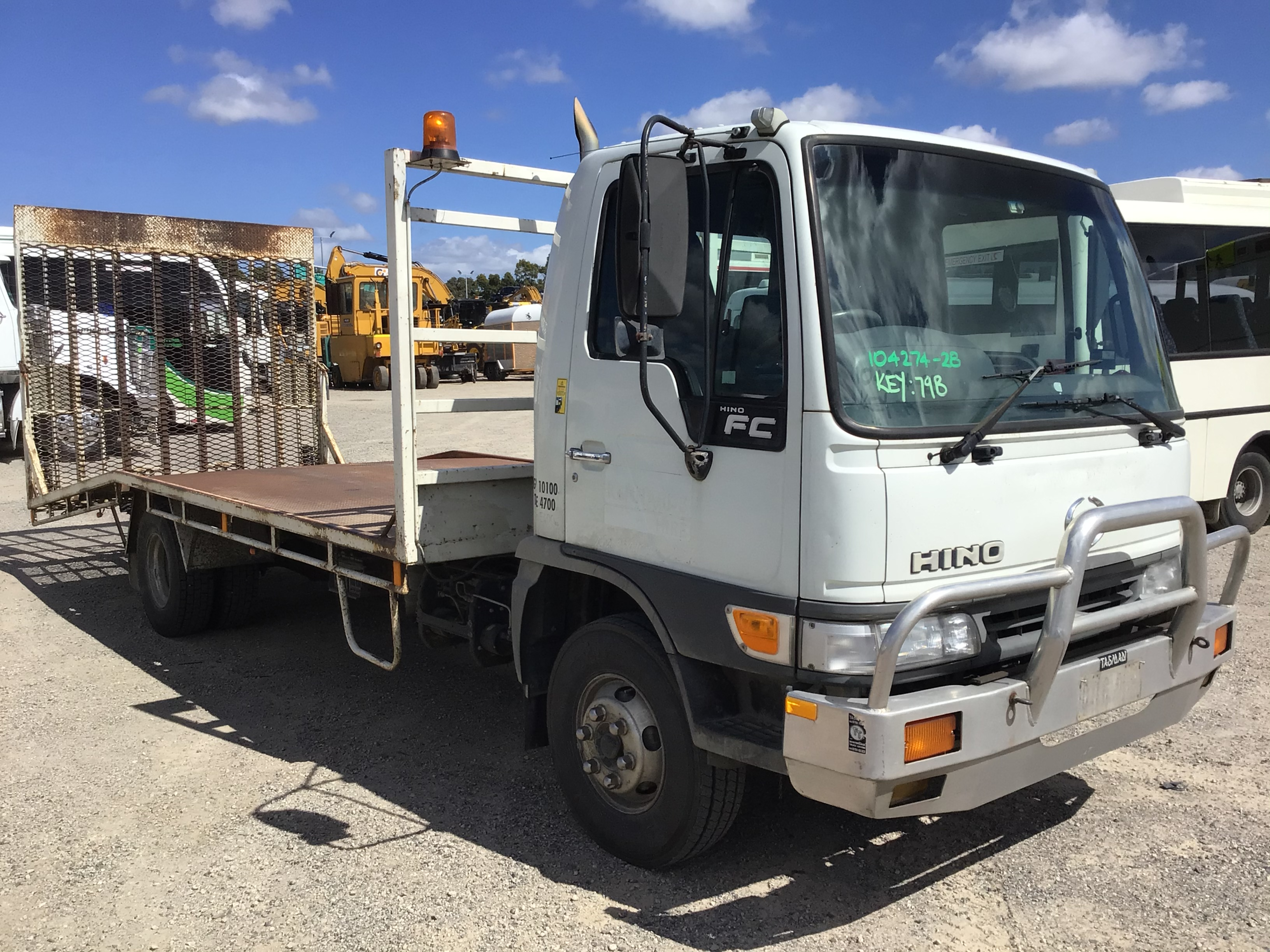 2000 Hino FC3J Ser C/Cab 4 x 2 Beavertail Truck