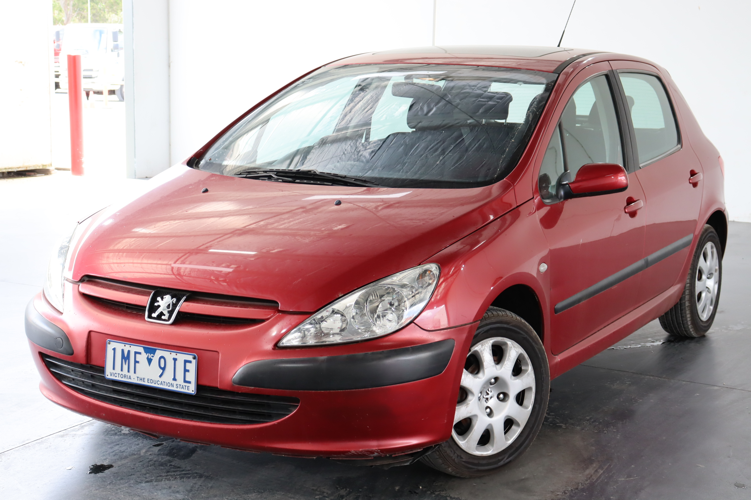 2003 Peugeot 307 1.6 Automatic Hatchback