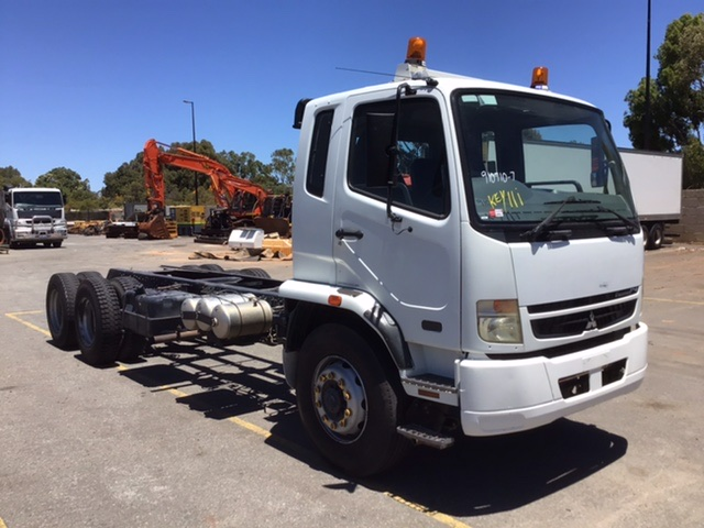 2009 Mitsubishi FN600 Fighter 14 6 x 4 Cab Chassis Truck