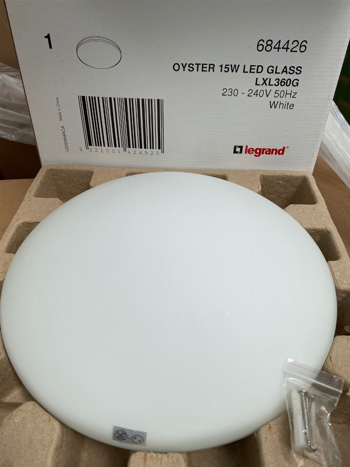 Legrand 15W LED Oyster with Glass Cover 1000lm 4000k IP20 240V