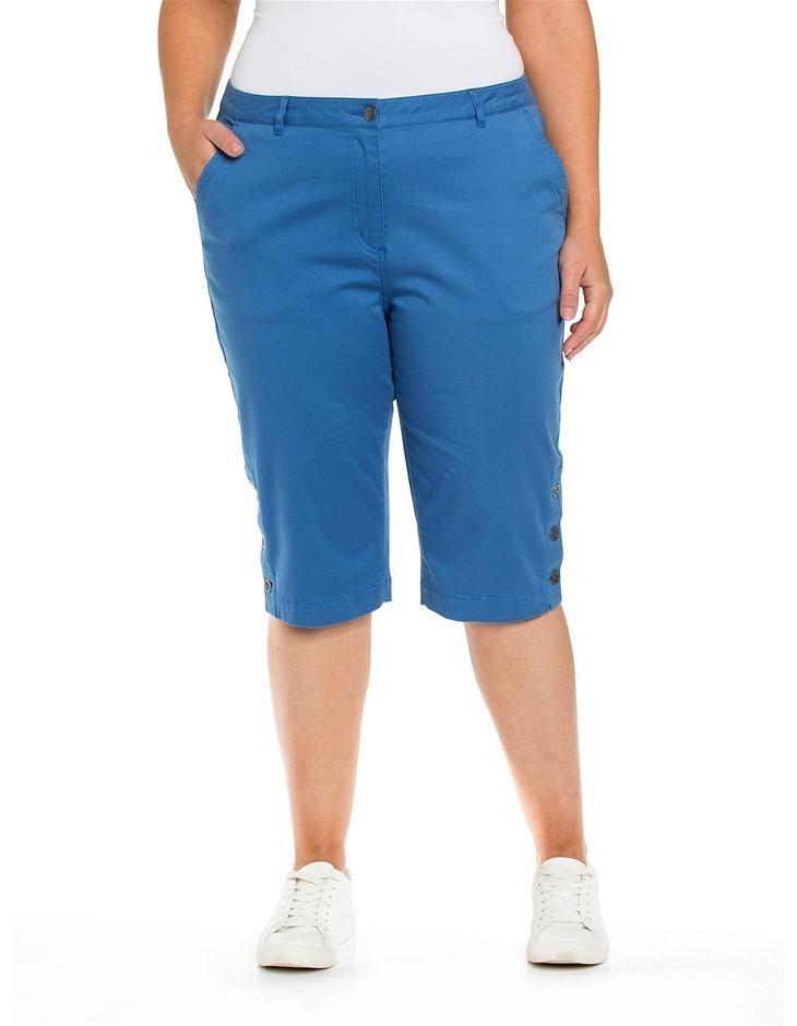 YARRA TRAIL PLUS Button Trim Short. Size 22, Colour: Rough Spot Print. Cott