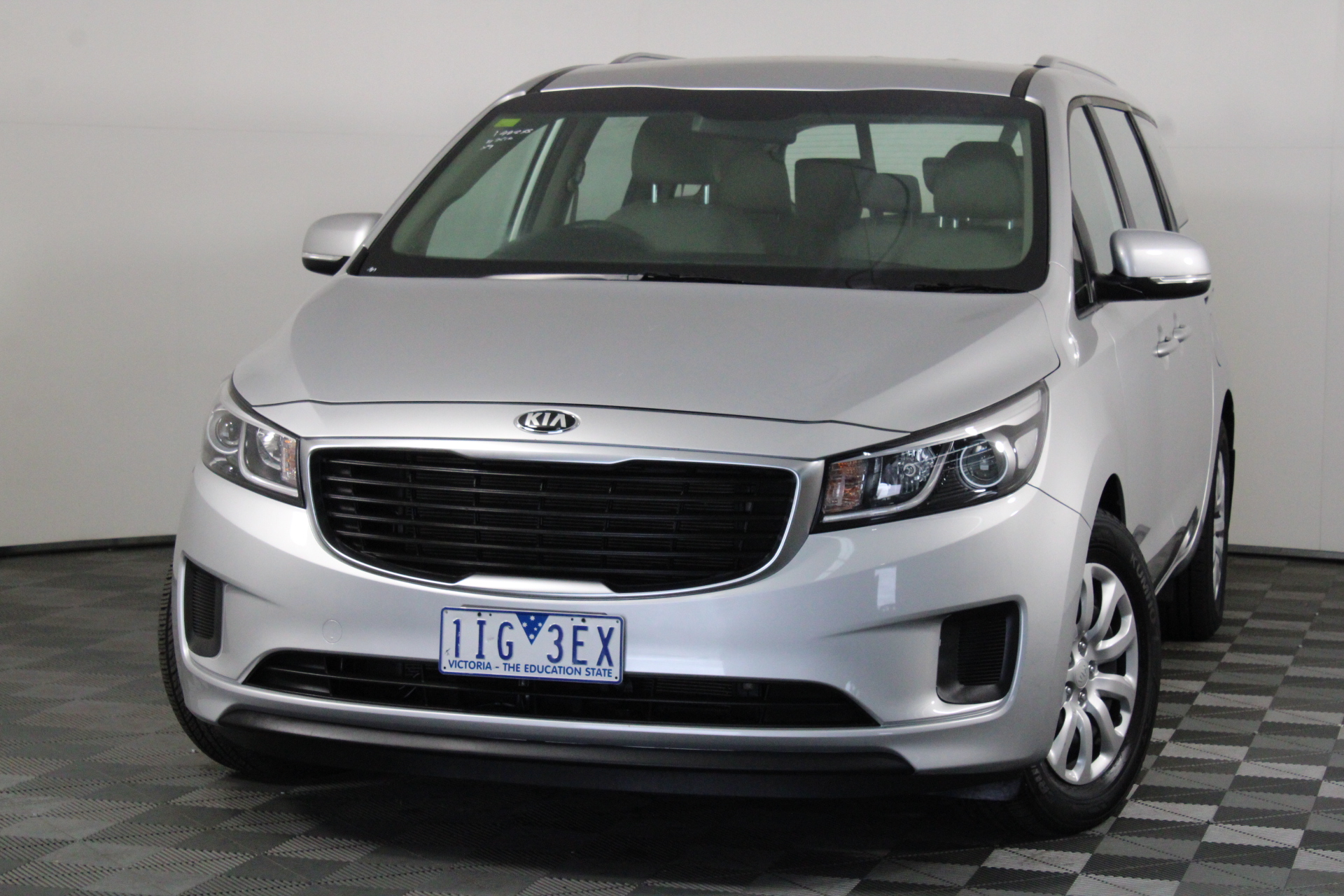 2016 Kia Carnival S YP Automatic 8 Seats People Mover
