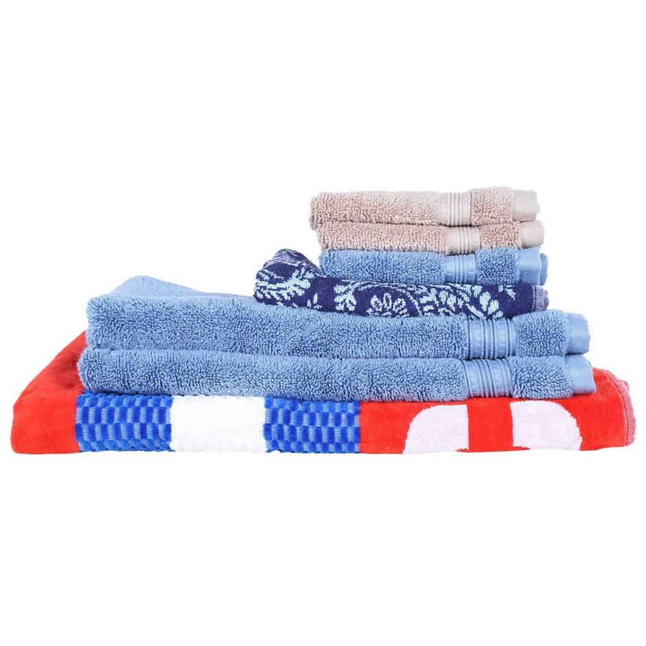 7 x Assorted Towels, Comprising: NAUTICA, GRANDIOSE and more, different siz
