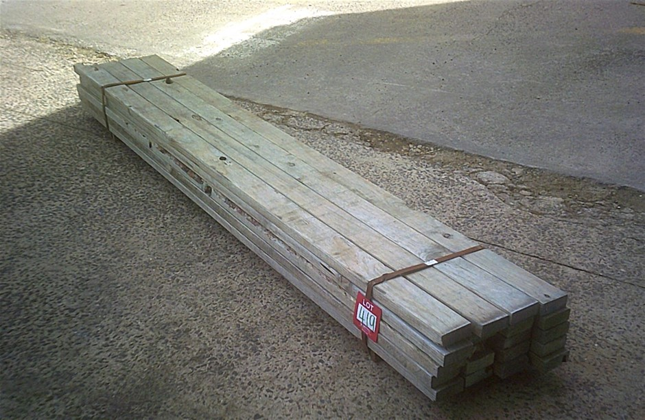 Pack of 20 lengths of 90mm x 35mm T 2 Termite Treated Pine.