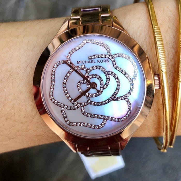 Ladies new Michael Kors Couture NY beautiful and very feminine watch.
