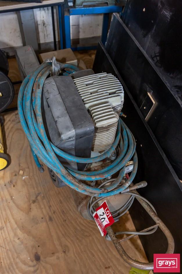 Inger Solana 4E14 Mobile Twin Cylinder Air Compressor