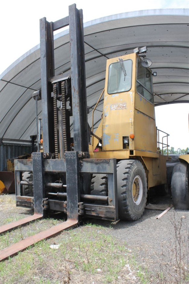 Lees D50-247 30 Ton Container Forklift