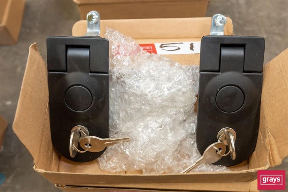8x Metal Lockable Door Latches with Keys
