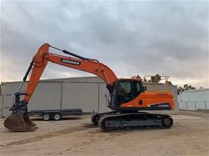 2018 Doosan Excavator, Model: DX225LC